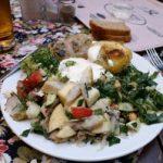 Салат из сельди с грибами и помидорами