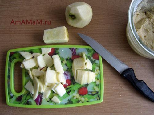 Как нарезать яблоко для открытого пирога - рецепт и фото