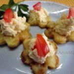Кабачки-цветочки жареные с сырным салатом