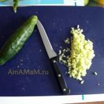 Огурцы для начинки легкой закуски из лаваша с сыром, ветчиной и огурчиками