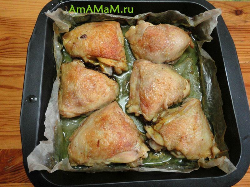 Как вкусно запечь куриные бедрышки в духовке