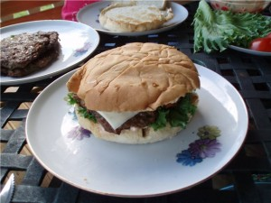 Как делают гамбургеры в домашних условиях - рецепт и фото