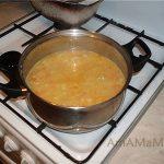 Суп-пюре из гороха с жареным беконом