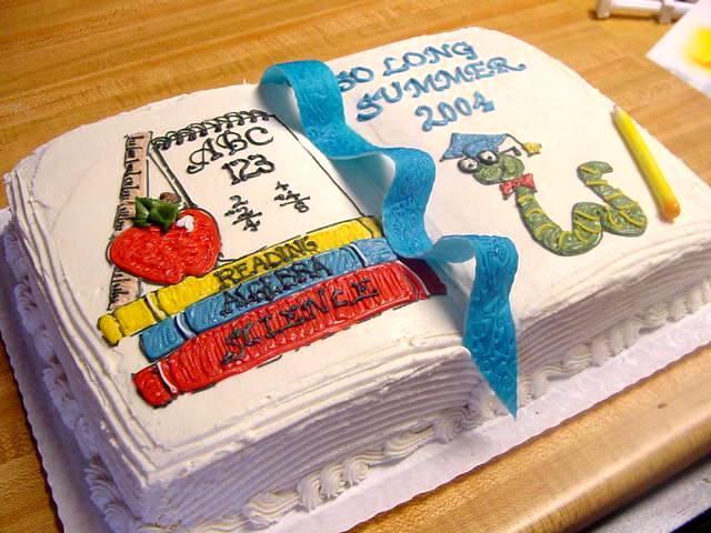 Фото торта Книга со змеей