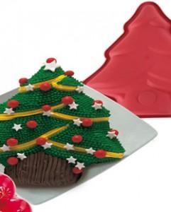 Украшение кекса в форме елки мастикой или кремом