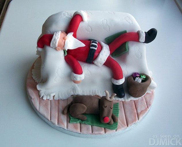 Торт под мастикой с Санта Клаусом