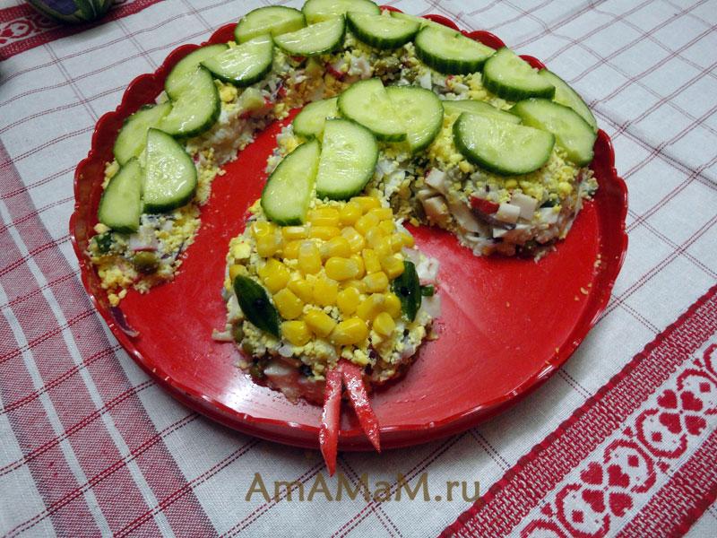 Новогодняя змея 2013 - салат с крабовыми палочками