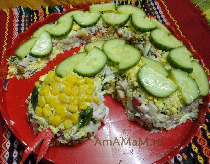 Рецепт салата с крабовыми палочками и огурцом