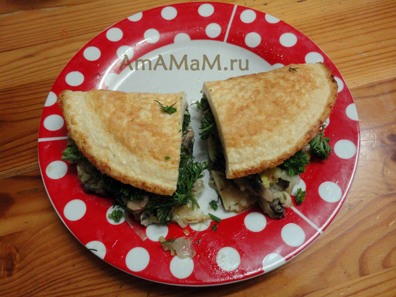Что приготовить на завтрак - простой рецепт грибного омлета для двоих