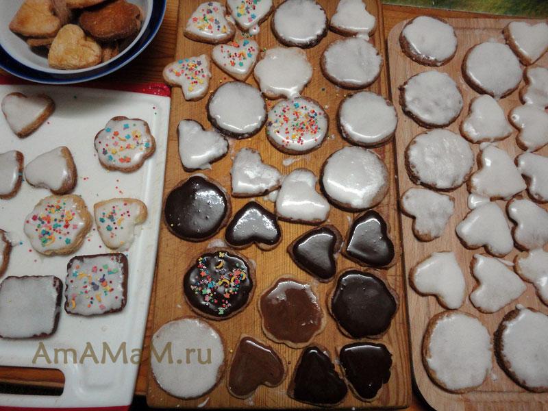 Рецепт песочного печенья с белковой глазурью