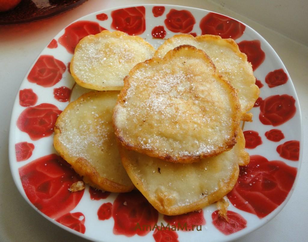 Рецепт вкусных блинчиков из яблок