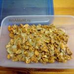 Жареные лисички для пирога с грибами