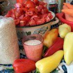 Как делают заготовку из салата с рисом