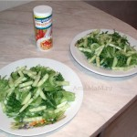 Приготовление салата из лосося с огурцами и яйцами - простой рецепти фото