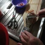 Как почистить речную рыбу - фото