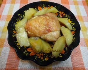 Блюдо из бедрышек с картошкой (в духовке) - рецепт