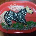 Белогривая лошадка - фото