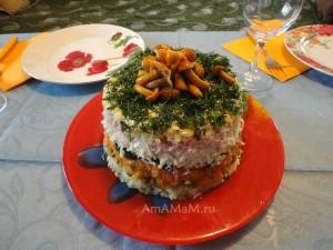 Салат Лесная полянка - с опятами сверху