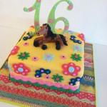 Красивые торты - лошадь на цветочном лугу