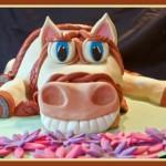 Торт с лошадкой, которая ржет