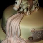 Как сделать лошадку из марципана - фото