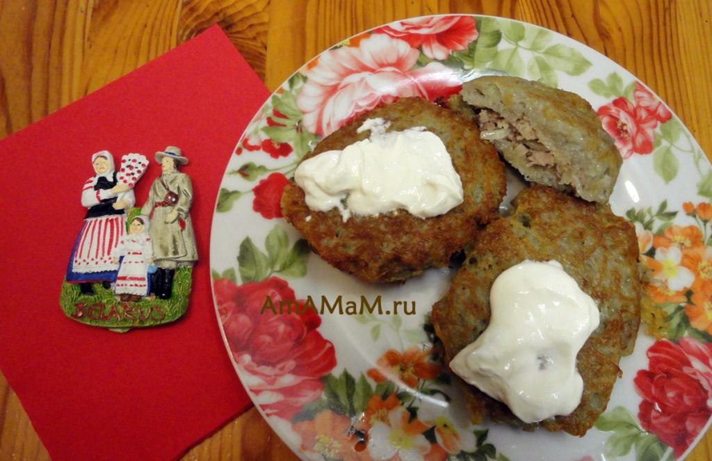 Рецепты картофельных оладий - колдуны (драники с начинкой)