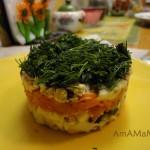 Приготовление лсоеных салатов в формочках
