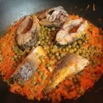 Домашний рецепт приготовления карпов с горошком и морковкой