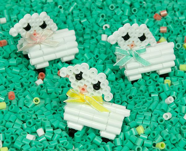 Игрушечные овечки - фото
