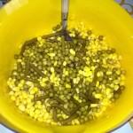 Рецепт салата из кальмаров с горошком, яйцами, кукурузой и стручковой фасолью