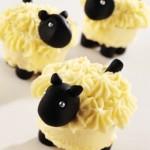 Пирожные в форме козочек, овечек, барашков