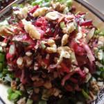 Салаты с грецкими орехами - рецепт из свеклы, капусты, моркови и щавеля