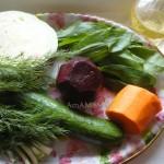 Капуста, щавель, огурец, морковка, свекла - вкусный салат с грецкими орехами