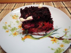 Салат из свеклы слоями - рецепт
