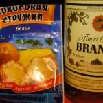Фото кипрского бренди и кокосовой стружки для конфет Рафаэлло