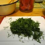 Зелень для маринада - готовим острые помидоры по-корейски