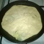 Выпечка кавказских лепешек на сковороде