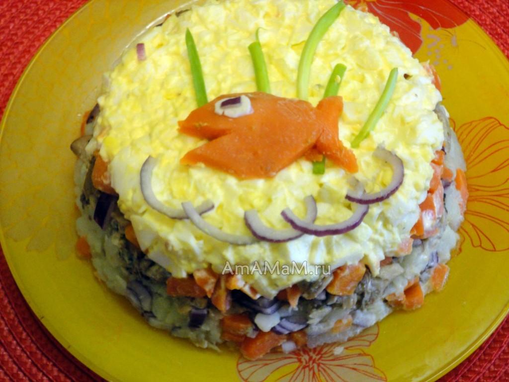 Салаты из консервированной рыбы в масле - рецепты