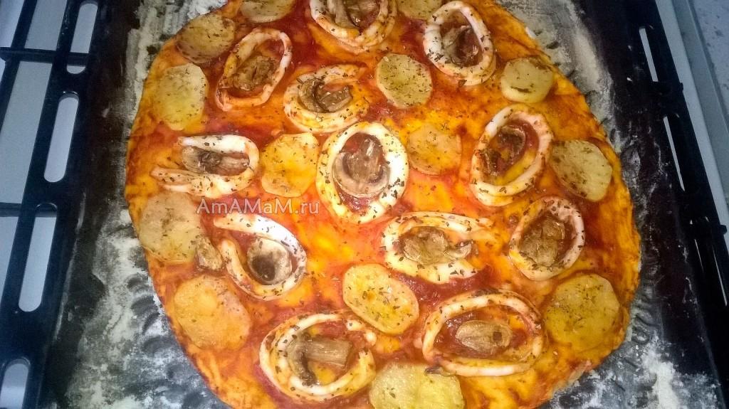Приготовление пиццы с кальмарами - рецепт и фото