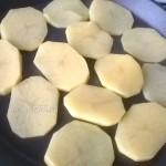Картошка - начинка для постной пиццы с кальмарами