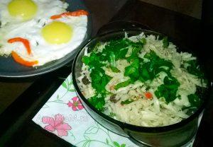 Салат из капусты с грецкими орехами - рецепт и фото