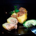 Фаршированный картофель (грецкие орехи, зелень, чеснок, кориандр)
