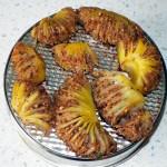 Запеченный картофель с начинкой в виде гребешков - простой постный рецепт