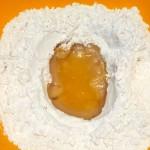 Приготовление песочного теста для тертого пирога на растительном масле
