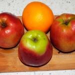 Пирог из яблок - тертый, песочное тесто с растительным маслом