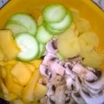 Погшаговые фото запекания овощей в духовке на основе из теста