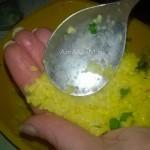 Как делать рисовый шарик с начинкой - этапы
