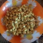 Рецепт салата из курицы с грибами, сухариками и помидорами