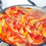 Фото сковороды с овощами и соевым мясом