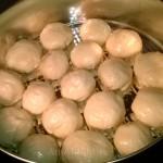 Рецепт вкусных булочек-пампушек с чесноком